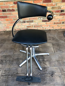 Global Hydraulic Hairstyling Chair