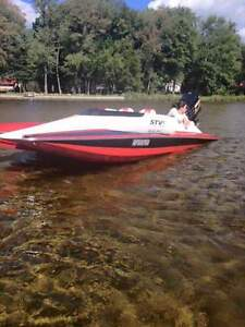 STV River Rocket - Full throttle Power Boats