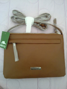 Roots Purse (Brand New)