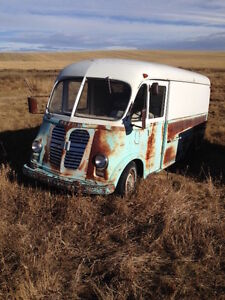 Looking For Divco or International Metro Truck,