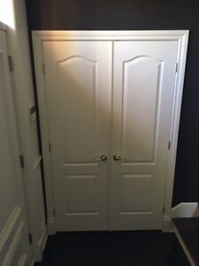 Several interior doors with frame and handles for sale (White)