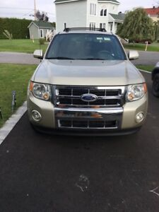 2010 Ford Escape limited 72000KM 4x4 Full équip , toit ouvrant