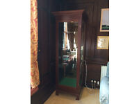 Mahogany and glass display cabinet with light