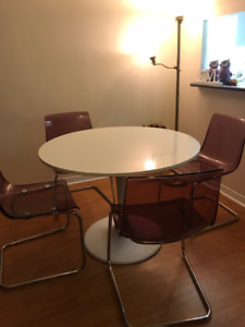 IKEA DOCKSTA WHITE DINING TABLE AND 4 PURPLE CHAIRS