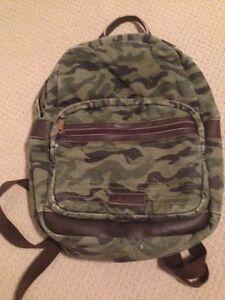 Williamrast Camouflage Backpack