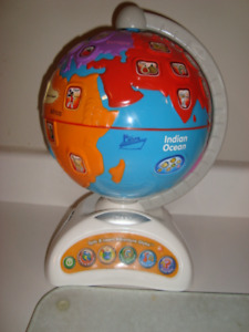Spin & Learn Adventure Globe, Minion, Bat & Ball