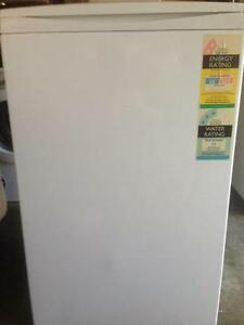 WASHING MACHINE FOR SALE- MAKE AN OFFER Carrara Gold Coast City Preview