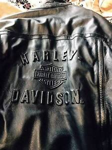 Mens Harley Davidson Leather motorbike jacket. Damaged zipper. Hillarys Joondalup Area Preview