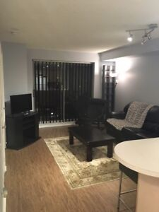 KING AND BATHURST - 1 BEDROOM CONDO, UTIL INCL, FULLY FURNISHED