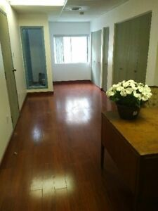 Bureau a Louer/ Office for rent- St Henri, pres de RueNotre Dame