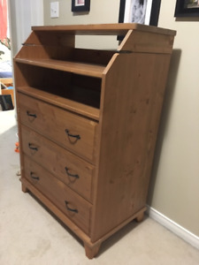 Baby changing table / Boys or Girls Dresser (Ikea - Diktad)