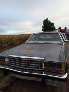 1986 Ford Crown Vic