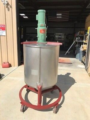 100 Gallon Mixing Tank W Nettco Mixer Cone Bottom Hinged Lid On Castors