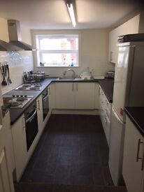 Professional Rooms to Rent, Lord Street, Grimsby, Fully Furnished, all Bills Included and Wifi