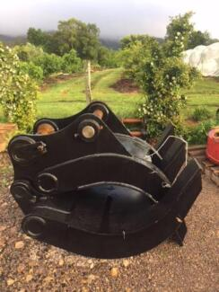 Cheap 25-30ton excavator  log grabs used