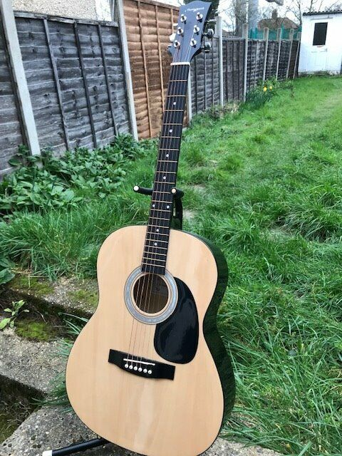 BARGAIN electro acoustic parlour guitar £30!! | in Sidcup, London | Gumtree