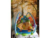Baby bouncer Chair - Excellent quality comfy with play gym & 6 toys - vibrates if wanted