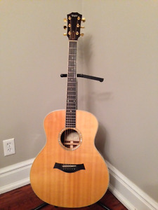 Taylor GS-8 Accoustic Guitar