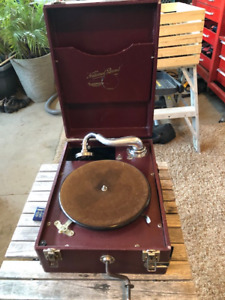 Antique National Band Co Hand Crank Phonograph