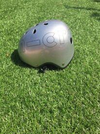 2 Micro Scooter Helmets: Medium