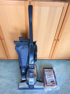 Kirby G4 Vacuum cleaner and accessories