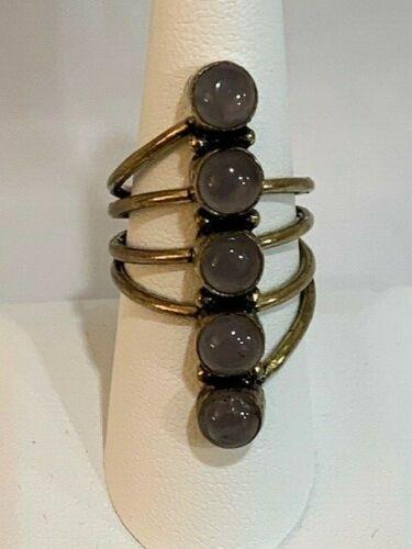 Vintage lavender ring set in gold tone metal, Size 8