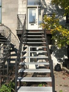 *****Downtown 3½ 2nd floor $650/m all included*****