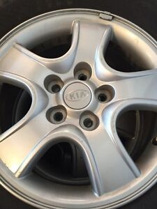 KIA SPORTAGE RIMS LIKE NEW HARDLY USED
