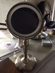 New 2 sided MIRROR with light (mirror is 10X on 1 side)