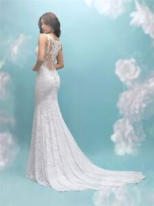 New With Tags! Stunning Wedding Dress