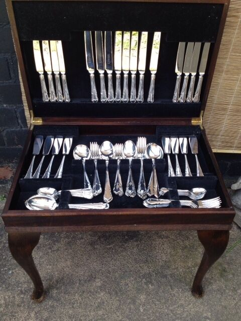 beautiful cooper ludlam dubarry cutlery display table 8