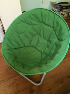 GREEN DISH CHAIR - $30