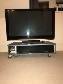 "50"" Flat Screen Panasonic TV - Comes with stand and freeview box - FULL SET UP"