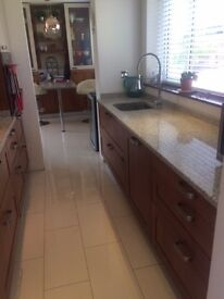 Handmade 14pc fitted kitchen, granite worktops, 5 ring hob and extract hood and built in dishwasher