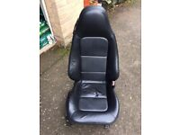 BMW Z3 - Pair of black leather seats in lovely condition