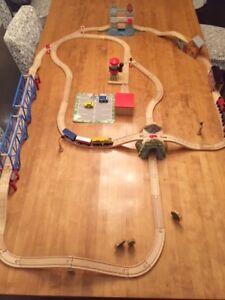 wood train set lot/ lot de train de bois
