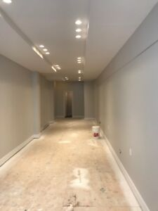 Cute Small Commercial Retail Space Mont Royal East For Rent Now!