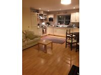 Penthouse Double Room in Rotary Way £500