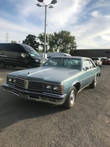 Pontiac catalina 1979 model RARE 2 portes