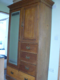 LARGE JAS SHOOLBRED ANTIQUE MAHOGANY WARDROBE