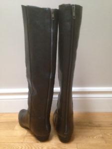 Never worn - Women's Steve Madden Leather Boots 6B