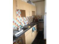 Berkshire Lettings are pleased to offer this 1 bed first floor flat on George St, (RG1)