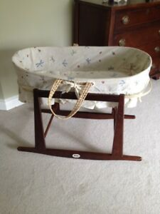 LIKE NEW!! Jolly Jumper brand bassinet/moses basket and stand