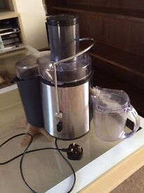 Cucina Black and silver juicer