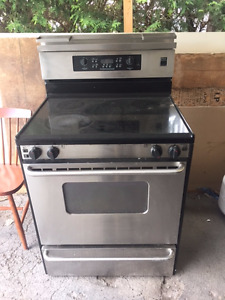 Stainless Steel Stove - Frigidaire Gallery - Professional Series