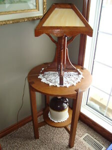ARTS AND CRAFTS PARLOR TABLE AND LAMP CIRCA 1910