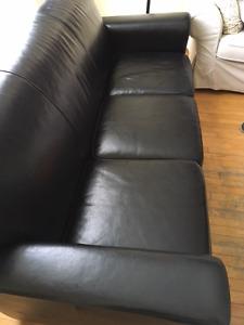 Divan 3 places noir - 450$