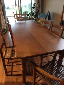 Table réfectoire et 8 chaises