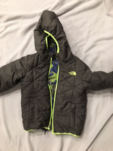 Boys North Face reversible Perrito Jacket size 5