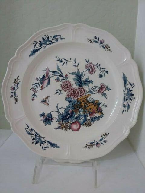 Wedgwood Etruria Barlaston Dinner Plate Williamsburg Potpourri - $11.99